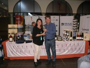 Ganador Handicap Absoluto D. Santiago Roldán, entrega el premio Dña. Agripina Cabello, Vice-Presidenta de la Diputación de Sevilla